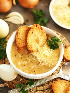 pyszna_zupa_cebulowa Soup Recipes, Great Recipes, Vegan Recipes, Favorite Recipes, Vegan Gains, Good Food, Yummy Food, Lunch To Go, Easy Food To Make