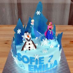 frozen cake (vegan) Frozen Cake, Birthday Cake, Vegan, Cakes, Desserts, Food, Birthday Cakes, Meal, Deserts