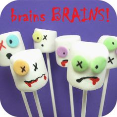 zombie marshmallow pops use mikado biscuits Cute Halloween Food, Halloween Mono, Holidays Halloween, Halloween Crafts, Halloween Party, Halloween Desserts, Halloween Zombie, Halloween Recipe, Halloween Kids