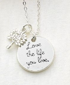 Love_the_life_you_live_necklace_detail