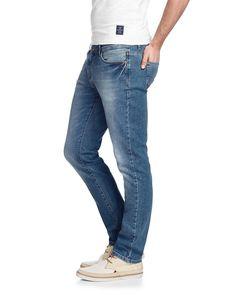 Jeans Jim    Toller Denim-Style von Arqueonautas: Der 5-Pocket-Stil und die dezente Used-Waschung setzen ganz auf eine klassische, authentische Linie, Ziernähte und Logo-Nieten dienen dabei als dezente Hingucker. Die geschickte Materialkomposition aus 99% Baumwolle und 1% Elasthan steht im Zeichen des gewohnt hohen Tragekomforts des Labels....