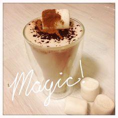 Heiße weiße Nougat Sünde Panna Cotta, Drinks, Ethnic Recipes, Food, Hot Chocolate, Drinking, Dulce De Leche, Beverages, Meal