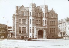 Psi Upsilon, Tau Chapter fraternity house (built 1897, G.W. and W. D. Hewitt, architects), exterior