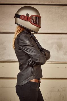 Here's an exciting giveaway for Bike EXIF readers—ladies included! You could win a Pagnol Moto jacket, Biltwell Gringo helmet and visor from The Equilibrialist. Motorcycle Style, Motorcycle Outfit, Biker Style, Motorcycle Jackets, Harley Davidson, Moto Cafe, Biker Gear, Biker Boots, Cafe Racer Girl