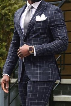10 Patterns Every Gentleman Should Know About - Men Suits Mens Fashion Blog, Mens Fashion Suits, Mens Suits, Fashion Outfits, Classy Fashion, Men's Fashion, Vintage Fashion, Street Style Suit, Men With Street Style
