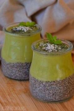 Chia and avodaco pudding  ------- Pudding de chía y aguacate