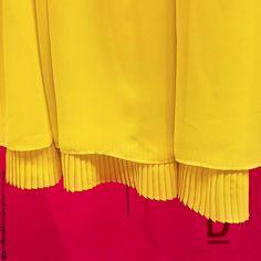 Los plisados son perfectos para dar un toque especial y diferente a una pieza, contribuyendo a hacerla delicada y sensual. #BlancoByMarleneCorrea #Plisados #pleated #Womandress #Dresses