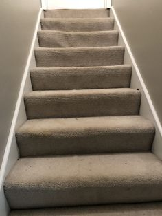 Awesome craftsman staircase - check out our site for a whole lot more tips! Craftsman Staircase, Foyer Staircase, White Staircase, Carpet Staircase, Staircase Runner, Staircase Remodel, Staircase Makeover, Staircase Design, Staircases
