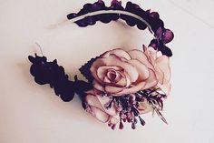 Martinuska / Zimná jemná Handmade Headbands, Floral Wreath, Wreaths, Home Decor, Floral Crown, Decoration Home, Door Wreaths, Room Decor, Deco Mesh Wreaths