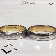 Al ser diseñadas, por ambos novios, las Argollas de Matrimonio requieren la participación de ambas partes a la hora de escogerlas, de forma que armonicen con el estilo de cada uno y expresen el amor que sienten a través de estos símbolos clásicos. 👰💖💍 #ArgollasDeMatrimonioCali #ArgollasDeMatrimonioColombia #WeddingBandsColombia