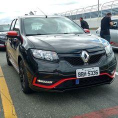 Hora de ver como se sai o #Renault #SanderoRS Racing Spirit na pista.