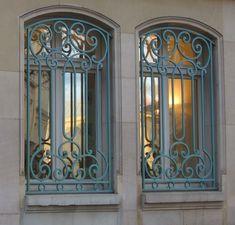 Iron Windows, Front Doors With Windows, Iron Doors, Exterior Stair Railing, Balcony Railing Design, Wrought Iron Window Boxes, Wrought Iron Decor, Iron Window Grill, Window Grill Design