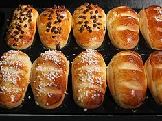 Naan, Cross Buns Recipe, Bangers And Mash, Brunch, Mini Burgers, Hot Cross Buns, Burger Buns, Cooking Chef, Panettone