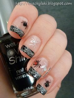 Spiders by Wacky Laki - 25 Fun Halloween Nail Art Ideas Halloween nails Get Nails, Fancy Nails, Love Nails, Pretty Nails, Hair And Nails, Halloween Nail Designs, Halloween Nail Art, Halloween Spider, Halloween 2013