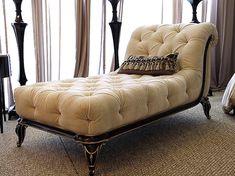 Italian Furniture- Modern & Classic Design Italian Bedroom Furniture Set