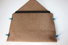 Nähanleitung: Ratz-Fatz-Laptoptasche für alle Größen | Snaply-Magazin Burlap, Reusable Tote Bags, Fitness, Laptop Tote, Yarn And Needle, Bags Sewing, Sewing Patterns, Repurpose, Hessian Fabric