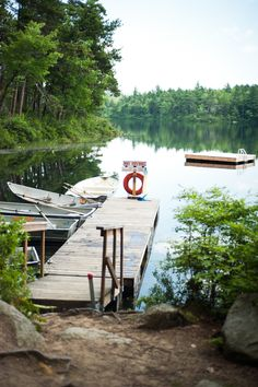 The Camping And Caravanning Site. Camping Tips And Advice Straight From The Experts. Camping can be a fun way to forget about your responsibilities. Haus Am See, Lakeside Living, Lakeside Cabin, Ange Demon, Lake Cabins, Lake Cottage, Seen, All Nature, Cabins In The Woods