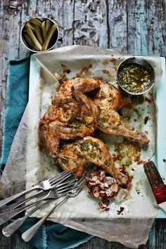 Pratos e Travessas: Frango assado com molho verde e chili # Roasted chicken with molho verde and chili | Food, photography and stories
