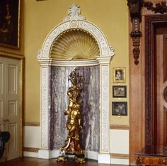 Interior of Kingston Lacy countryhouse, built between 1835 and Niche designed by William Bankes and Charles Barry based on shell niches in Montpellier and Narbonne and carved from yellow Torre, Biancone and fleur de pêcher (Peach Flower) marble. Kingston Lacey, Wimborne Minster, Niche Design, Marble House, Grand Homes, Country Estate, Shades Of Purple, Travel Photography, Mansions