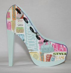 Fashion Shoe Shaped Card - free cutting file template-This would be cute in wood with mod podge and paper for decor. Shoe Template, Paper Shoes, Card Making Templates, 3d Christmas, Shaped Cards, Card Patterns, Creative Cards, Cute Cards, Homemade Cards
