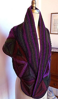 Ravelry: Project Gallery for Ojo de Dios Shawl pattern by Vanessa Ewing