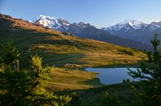 Gebidemsee in the foreground surrounded by Mischabelgruppe and Weisshorn