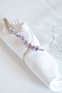 Lavender Napkin Ring Vintage Lavender and Silver Baby Shower for Kara's Party Ideas Baby Shower Host, Baby Shower Napkins, Party Napkins, Bridal Shower Decorations, Wedding Decorations, Lavender Baby Showers, Beautiful Baby Shower, Deco Table, Decoration Table