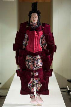 Sfilata Comme des Garçons Parigi - Collezioni Autunno Inverno 2016-17 - Vogue