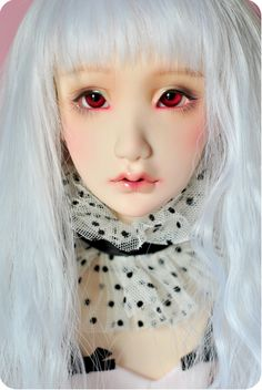 Head+circumference:+21cm+(8-9+inch+wig) Eye+size:+12mm/14mm Neck+size:+9+cm  Casted+by:+DollShe+Craft  Please+read+this+blog+entry+before+buying! http://merrydollround.blogspot.com.es/2014/11/november-sale-and-head-flaws.html