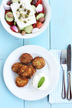 cookmegreek: Zucchini fritters and choriảtiki salad - a light summer meal Greek Recipes, Light Recipes, Italian Recipes, Cypriot Food, Light Summer Meals, Greek Dishes, Side Dishes, Cooking Recipes, Healthy Recipes