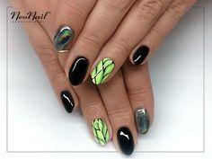 Green holo nails / NeoNail