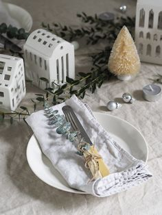 Simple, Scandinavian Christmas decorations with Kahler - Christmas tealight houses - cosy Christmas - hygge Christmas Hygge Christmas, Christmas Rose, Nordic Christmas, Simple Christmas, Christmas Holidays, Scandinavian Christmas Decorations, Scandinavian House, Christmas Dining Table, Nordic Lights