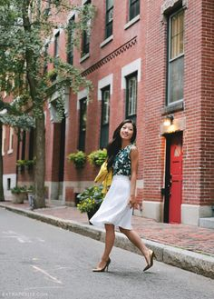 ExtraPetite | Summer polish: Linen floral top and white pleated skirt with a bright yellow collarless blazer