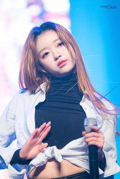 Oh My Girl Yooa, The Girl Who, Cool Girl, Kpop Girl Groups, Korean Girl Groups, Kpop Girls, Girl Pictures, Girl Photos, Girl Crushes