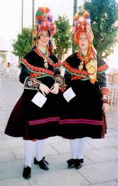 Hello all, today I will continue my overview of the costumes of Spain. There is less variety of costume in the south, as they . Rare Clothing, Folk Clothing, Merida, Spanish Costume, Spain Culture, Folk Costume, World Cultures, Traditional Dresses, Style Inspiration