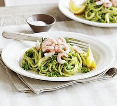 Pea pesto & prawn spaghetti ... frozen peas, garlic & herb soft cheese, lemon, garlic, spaghetti, cooked prawns