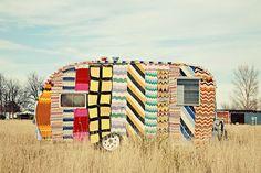Gearing up for a yarn bombing at the Team Team Craft Caravan American Graffiti, Vintage Caravans, Vintage Travel Trailers, Vintage Campers, Retro Campers, Retro Rv, Yarn Bombing, Pimp My Caravan, Camper Caravan