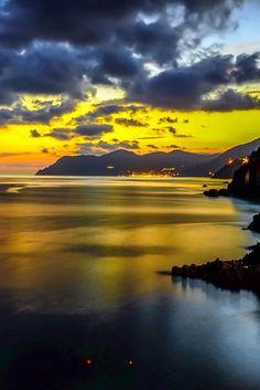 Sunsets in Paradiseby Juan Izquierdo