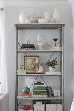 Living With Kids: Heather Freeman ⋆ Design Mom Style At Home, Green Shelves, Vintage Bookshelf, European Style Homes, Bookshelf Styling, Tuscan House, House Design, Design Design, Blog Design