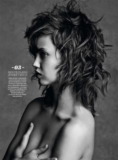 Lindsey Wixson Transforms in S Moda Beauty Shoot by David Roemer - Hair texture. Lindsey Wixson, Beauty Shoot, Hair Beauty, Medium Hair Styles, Curly Hair Styles, Hair Today Gone Tomorrow, Undercut Hairstyles, Great Hair, Portrait