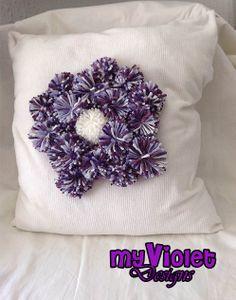 Almohadón de Pompones My Violet myvioletdesigns.com