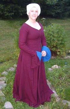 La Cotte Simple -- curved-front seam fitting method for a bust-supportive dress -- detailed article. Gives beautiful shaping! Medieval Fashion, Medieval Clothing, Historical Clothing, Merida Dress, Medieval Dress Pattern, German Outfit, Pattern Draping, Dress Tutorials, Simple Dresses