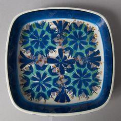Royal Copenhagen dish art pottery danish tenera by northvintage Royal Copenhagen, Dwell On Design, Blue Dishes, Mid Century Art, Danish Design, Scandinavian Design, Pottery Art, Plates, Ceramics