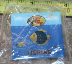 Bass Pro Shops Fishing Collectible Pinback Pin Button New