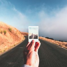 Camera Polaroid - Ideas That Produce Nice Photos Regardless Of Your Skills! Instax Camera, Fujifilm Instax, Instax Film, Film Photography, Travel Photography, White Photography, Street Photography, Landscape Photography, Nature Photography