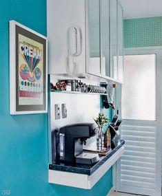 Boa ideia decorativa pra cozinha: mini balcão. Blog Achados de Decoração