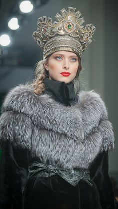 À la Russe. Russian style, russian girls, russian beauty. Fur. Crown.