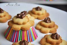 Fursecuri Floare Biscuits, Cookies, Desserts, Food, Crack Crackers, Crack Crackers, Tailgate Desserts, Deserts, Eten