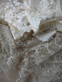 Antique, French Silk Lace, just gorgeous~❥