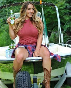 My Favorite Ways to Style Cowboy Boots   country concert outfit   country music outfit   country girl   country girl style   country music outfit   country style   western outfit   western style   katherine Salom   ariat boots   corral boots   idyllwind boots   justin boots   old gringo boots   western boots   leather boots   western outfit